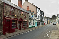 CONWY/WALES - April 20, 2014: Typical street scene in idyllic Royalty Free Stock Photography