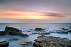 Coogee海滩悉尼日出海景 免版税库存图片