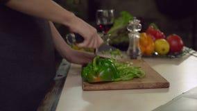 Cook przygotowywa jedzenie dla wydarzenia Zakończenie zbiory wideo