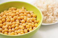 Cooked and peeled chickpeas Stock Photography