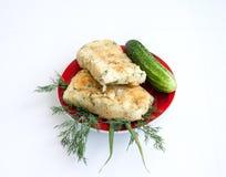 cookery A batata e o queijo rolam com vegetais imagem de stock royalty free