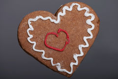 Cookie do coração do Natal do pão-de-espécie. ilustração royalty free