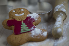Cookie do pão-de-espécie com farinha e um pino do rolo Fotografia de Stock