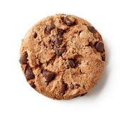 Cookie fresca dos pedaços de chocolate isolada no branco, de cima de fotos de stock royalty free