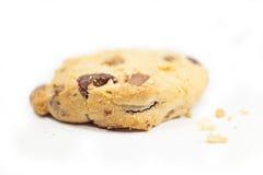 Cookie mordida dos pedaços de chocolate Imagem de Stock Royalty Free