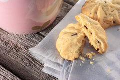 Cookie with napkin on wooden table. Stock Photography