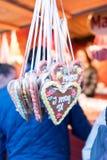 Cookies bávaras do pão-de-espécie no mercado Foto de Stock Royalty Free