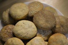 Cookies caseiros com açúcar, canela e sésamo Fotos de Stock Royalty Free