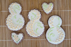 cookies caseiros Glace-congeladas no fundo bege Imagens de Stock Royalty Free