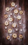 Cookies caseiros na forma da estrela Fotos de Stock Royalty Free