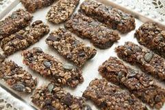 Cookies caseiros na tabela Imagem de Stock