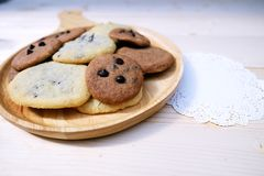 Cookies Chocolate Chip in Dish Wood. On the Table Royalty Free Stock Photography