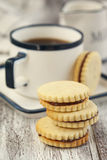 Cookies with chocolate hazelnut cream Royalty Free Stock Photos