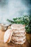 Cookies clássicas do pão-de-espécie do Natal imagens de stock