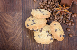 Cookies, coffee beans and anise Royalty Free Stock Photos
