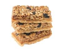 Cookies com amendoins, sementes de girassol e as uvas secadas foto de stock