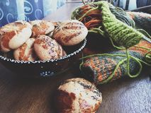 Cookies com confecção de malhas Fotos de Stock Royalty Free