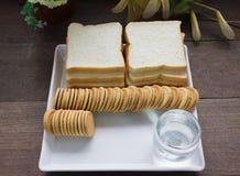 Cookies com pão para o café da manhã Imagem de Stock