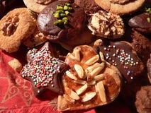 Cookies, coração e estrela dados forma do Natal Imagens de Stock
