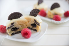 Cookies and Cream Cupcake Royalty Free Stock Photos