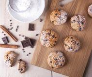 Cookies da farinha do wholemeal com chocolate Foto de Stock Royalty Free
