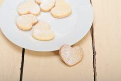 Cookies dadas forma coração do Valentim do biscoito amanteigado Foto de Stock