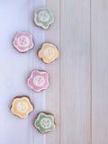 Cookies dadas forma flor da Páscoa Fotos de Stock Royalty Free