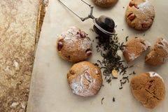 Cookies de biscoito amanteigado com opinião superior do amendoim foto de stock royalty free