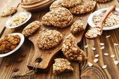 Cookies de farinha de aveia com passas foto de stock royalty free