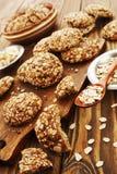 Cookies de farinha de aveia com passas imagem de stock royalty free