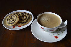 Cookies de farinha de aveia caseiros com café Foto de Stock Royalty Free