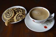 Cookies de farinha de aveia caseiros com café Imagem de Stock