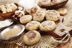Cookies de farinha de aveia caseiros com canela Imagens de Stock Royalty Free