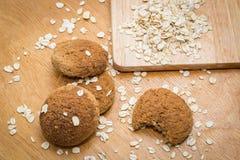 Cookies de farinha de aveia caseiros na placa Fotos de Stock Royalty Free