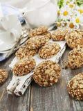 Cookies de farinha de aveia com passas fotos de stock