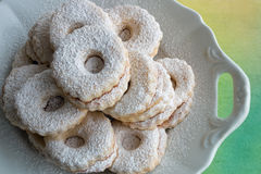 Cookies de Linzer na placa Imagem de Stock Royalty Free