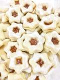 Cookies de Linzer que tentam imagens de stock