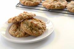 Cookies de manteiga recentemente cozidas do amendoim Foto de Stock Royalty Free