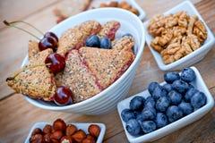 Cookies deliciosas do fruto - cookies do wholemeal Fotos de Stock Royalty Free