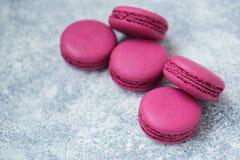 Cookies do bolinho de amêndoa roxas imagem de stock