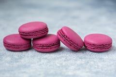 Cookies do bolinho de amêndoa roxas fotografia de stock