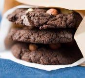 Cookies do chocolate com porcas Foto de Stock Royalty Free