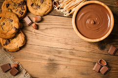 Cookies do chocolate e ingredientes - vista superior Imagens de Stock Royalty Free