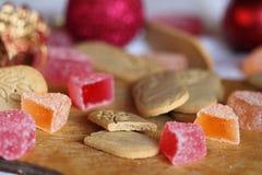 Cookies do gengibre e geleia de fruto Fotografia de Stock Royalty Free