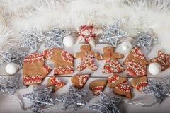 Cookies do Natal e brinquedos retros feitos a mão Fotografia de Stock