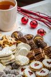 Cookies do Natal e chá fresco Fotografia de Stock