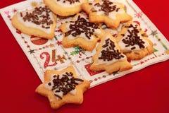 Cookies do Natal em um guardanapo Imagem de Stock Royalty Free