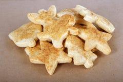 Cookies do Natal no pergaminho Imagem de Stock