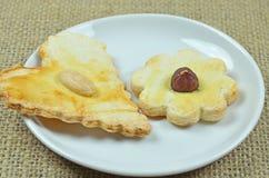 Cookies do pão-de-espécie na lona Imagem de Stock Royalty Free