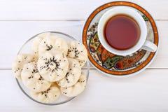 Cookies doces persas dadas forma flor Naan Berenji do arroz com PNF Imagem de Stock